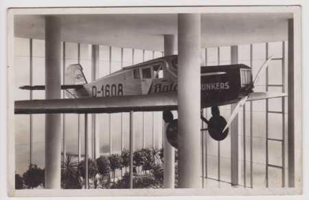 Zlín - Baťa - památník - letadlo