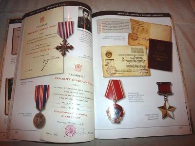 Vojenský  odznak  medaile  vyznamenání  II Světová  VÁLEČNÉ Dokumenty