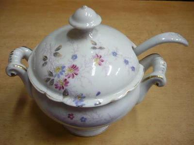Starý porcelánový omáčník (značeno)