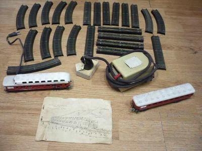 Starý elektrický vláček 700 TG (Jablonecká bižuterie)