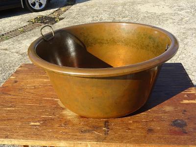 Starý velký měděný kotel na vaření, umyvadlo ? průměr 45 cm - od 1,-