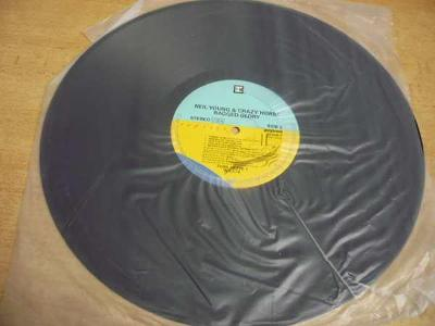 LP NEIL YOUNG & CRAZY HORSE / Rgged Glory (Popron)