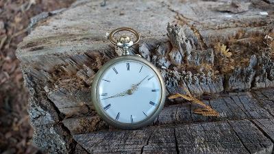 Pěkné argentanové kapesní hodinky.