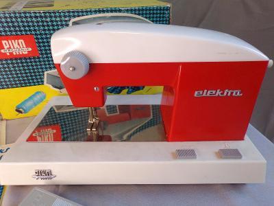 Dětský šicí stroj PIKO - nezkoušeno.