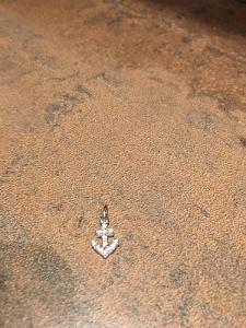 -Přívěšek KOTVA, stříbrný kov, štras, cca.: 1,5 cm:-