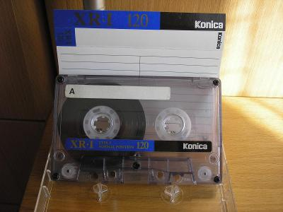KONICA XR- I 120-stará kazeta