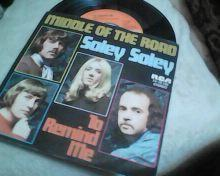 MIDDLE OF THE ROAD-SOLEY SOLEY-SP.
