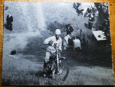 ZÁVODY DO VRCHU - velké foto - JAROMĚŘ  Hill Climb !!! 38 x 28cm ! č.2