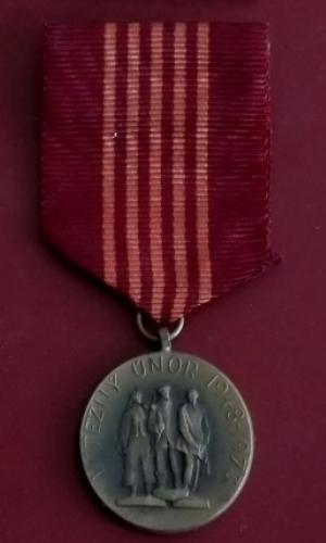 staré bronzové vyznamenání 25 let Vítězného Února -Milice ČSR