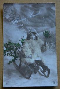 Dívka - holčička - zima - sáně - Nový rok