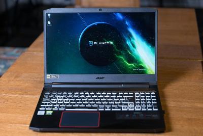 Acer Nitro 7 Obsidian Black kovový