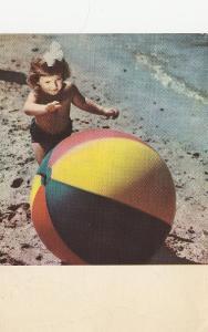 Rusko - Dívka a balon u moře