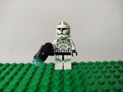 LEGO STAR WARS - figurka Clone Trooper + zbraň