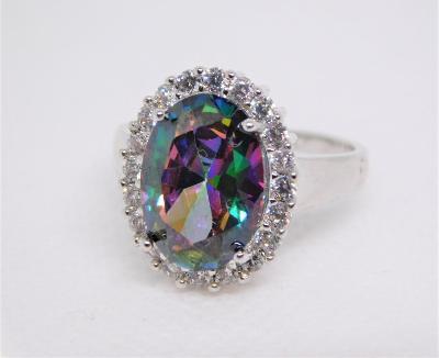 Nádherný stříbrný prsten s duhovým křišťálem !