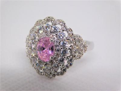 Krásný stříbrný prsten s růžovým a bílým zirkonem !