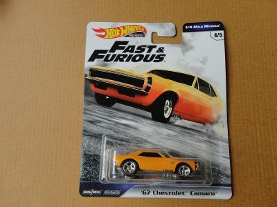 Hot Wheels 67 Chevrolet Camaro.Rozbalený.Krabička je otevřena.