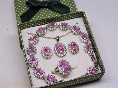 Luxusní stříbrný set s růžovými zirkony - aukce od koruny.
