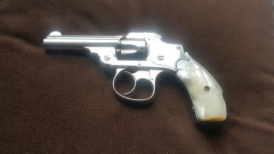Historický revolver Smith-Wesson cal.32DA Hamerless 1887 Nádherný stav