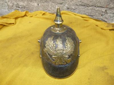 helma-přilba německo