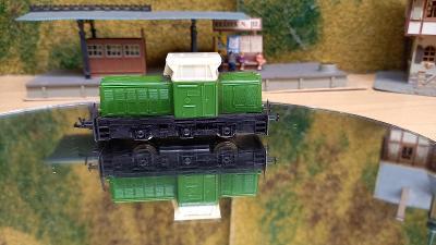 Motorová lokomotiva rosnička TT