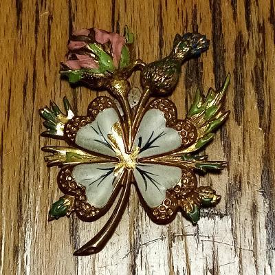 Starožitná mosazná ozdoba - ručně vyrobená a malovaná