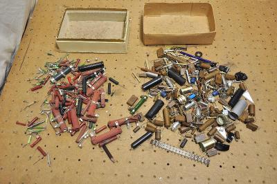 MIX elektrosoučástek - různé konvolut *9