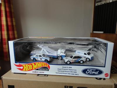 Hot Wheels Premium Ford Race Team Real Riders Diorama.