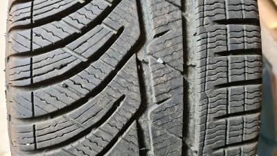 Zimní pneu 235/55/R18