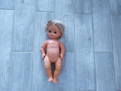 Gumo-plastová  mrkací / brečící panenka  42cm - od 1kč