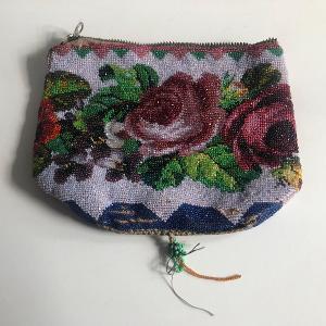 Starožitná korálková kabelka se zipem