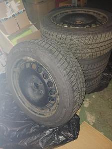 Zimní pneu na ocelových discích Barum Polaris 5 205/55 R16 Škoda Yeti