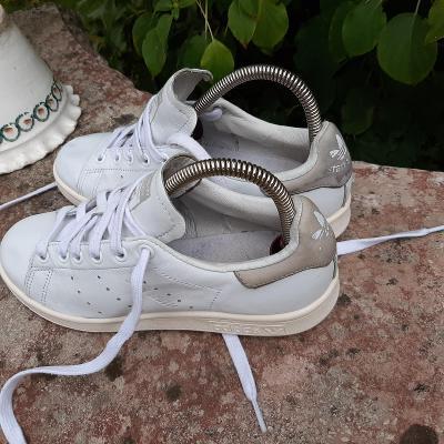 Kožené tenisky Adidas, vel. 37