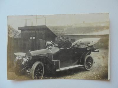 Pardubice-r.1913-AUTOMOBIL