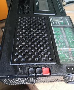 Rádio RFT R 4100