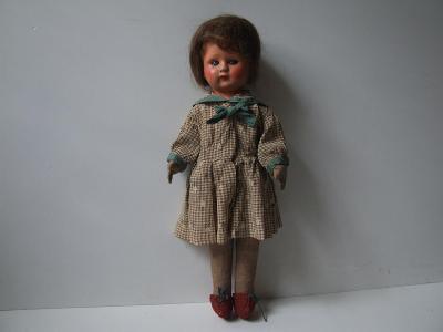 papmašová panenka v původním oblečení  2
