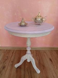 Retro stolek z masivu