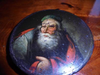 Židovská šňupka s Rabínem,papírmaš.Stáří 200let.