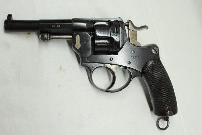 Armádní revolver Mle 1874 cal. 11mm.