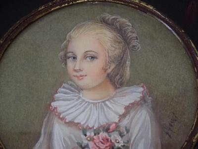Miniatura - portrét dívky, perfektní malba na slonové kosti
