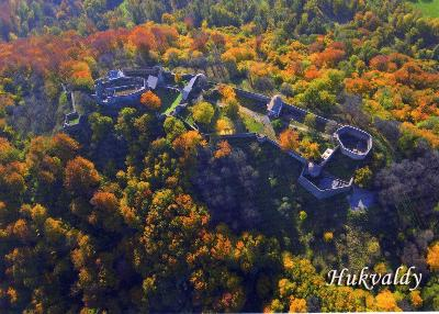 hrad Hukvaldy - letecký pohled, podzim
