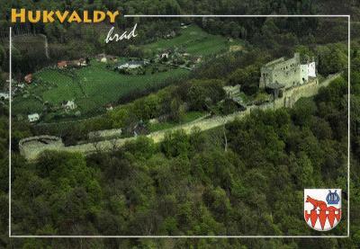 hrad Hukvaldy - letecký pohled, erb