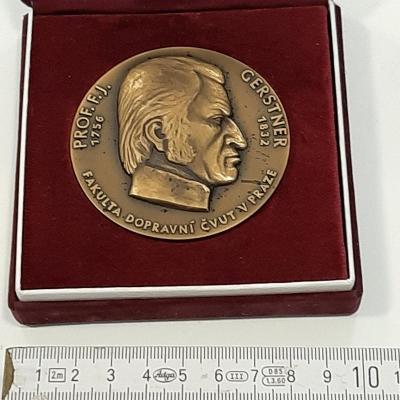 Zajímavá medaile
