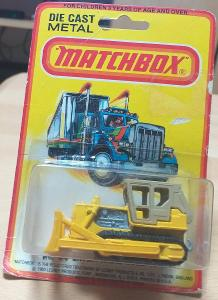 Matchbox-64D Caterpillar Bulldozer USA Blister