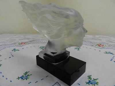 Krásná stará skleněná plastika Hlava Ženy ve větru Rychlost Desná