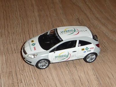 model Opel Corsa 2006 Hybrid výrobce Norev 1/43, chybí zrcátka, anténa
