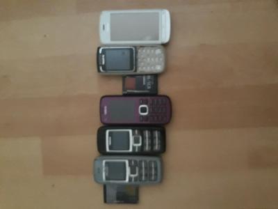 Mobily na nahradni dily