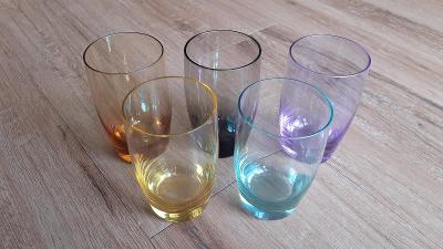 Barevné pivní sklenice Moser - 5ks  (prodej starožitností a skla)