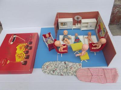 Starý nábytek pro panenky Dubena, Igra