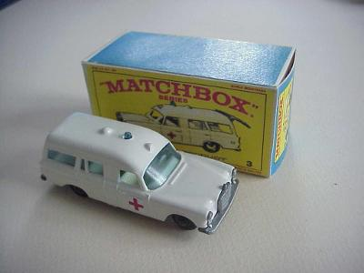 Matchbox RW Nr. 3 MERCEDES-BENZ AMBULANCE + krabička
