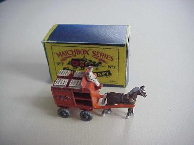 Matchbox RW Nr 7A HORSE DRAWN MILK FLOAT + krabička